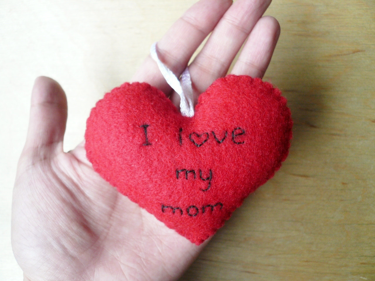 Heart ornament i love my mom on luulla heart ornament i love my mom altavistaventures Gallery