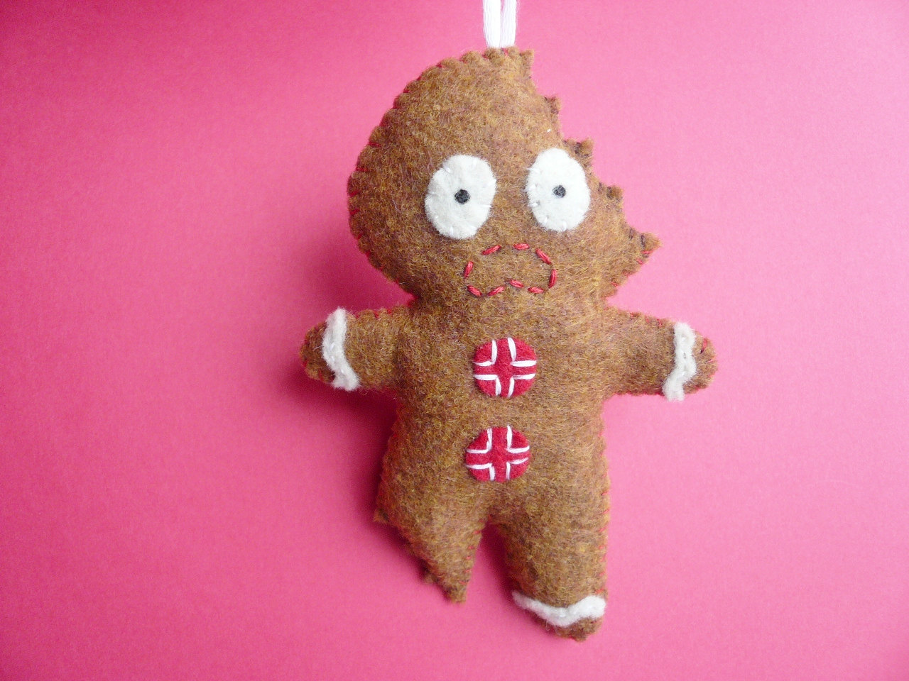 felt christmas ornament terrifed gingerbread man - Felt Christmas Ornaments